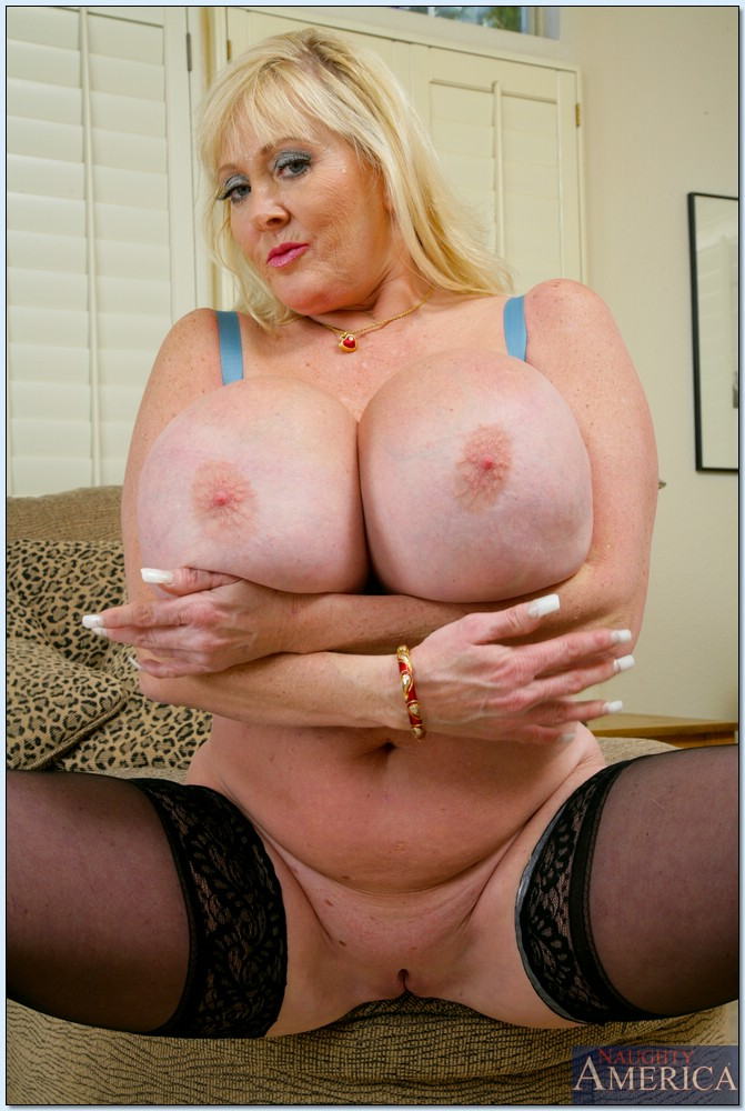 fat naked older moms