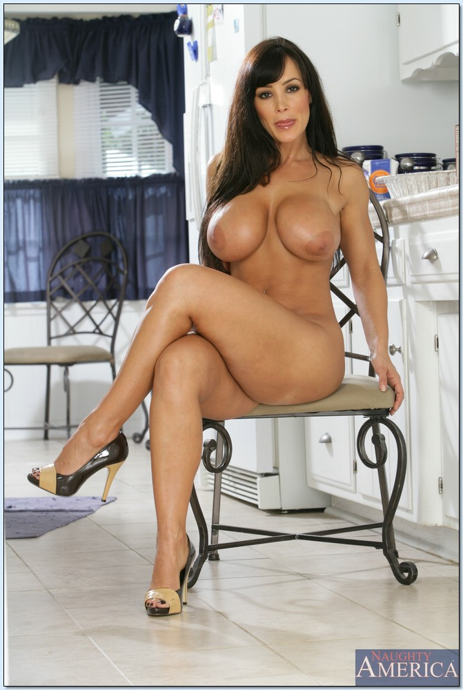 lisa ann strip