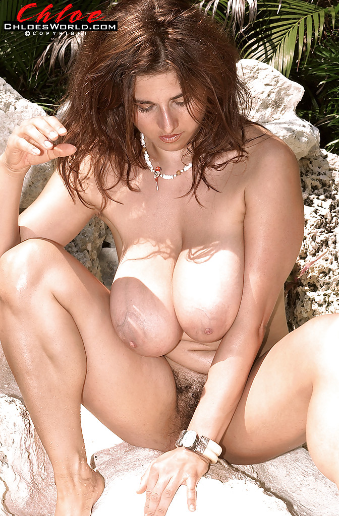 Angelina jolie fake nudes