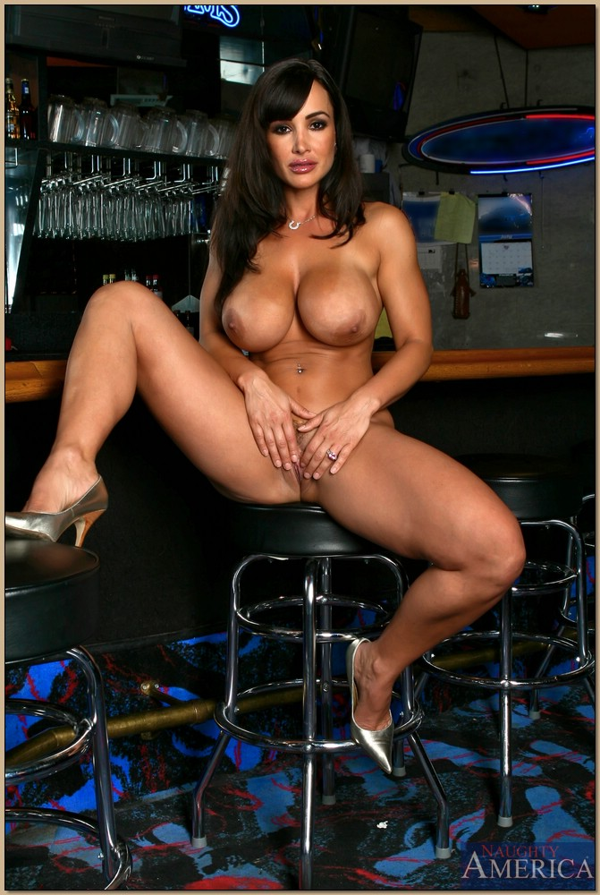 Extremely hot MILF Lisa Ann strips huge melons and big ...