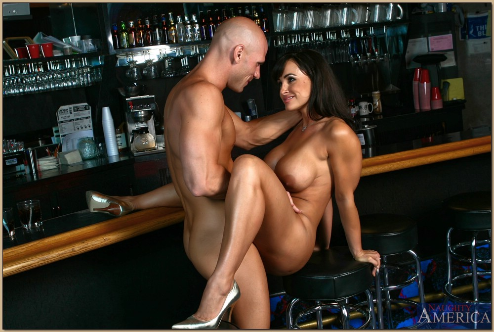 Milf lisa hotel bar sex