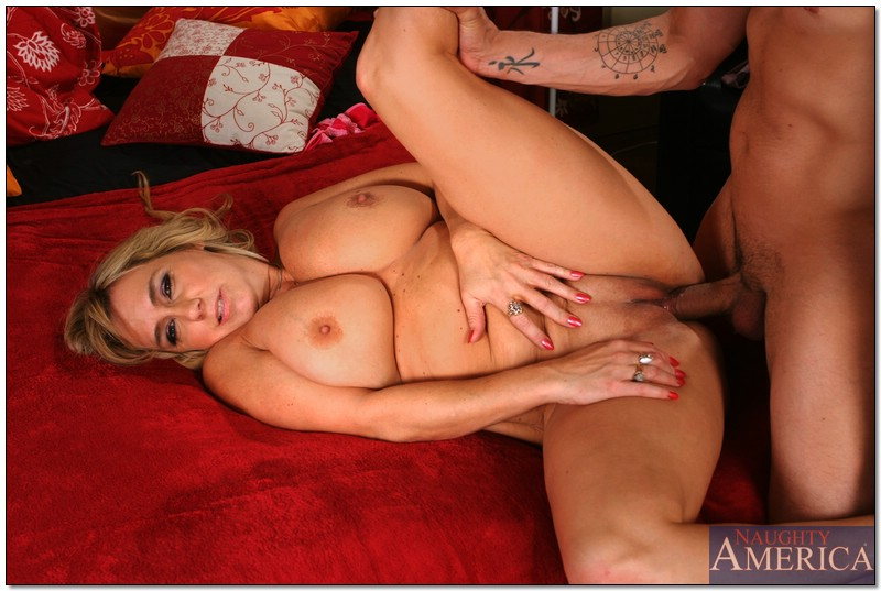 Angelina crow double penetration