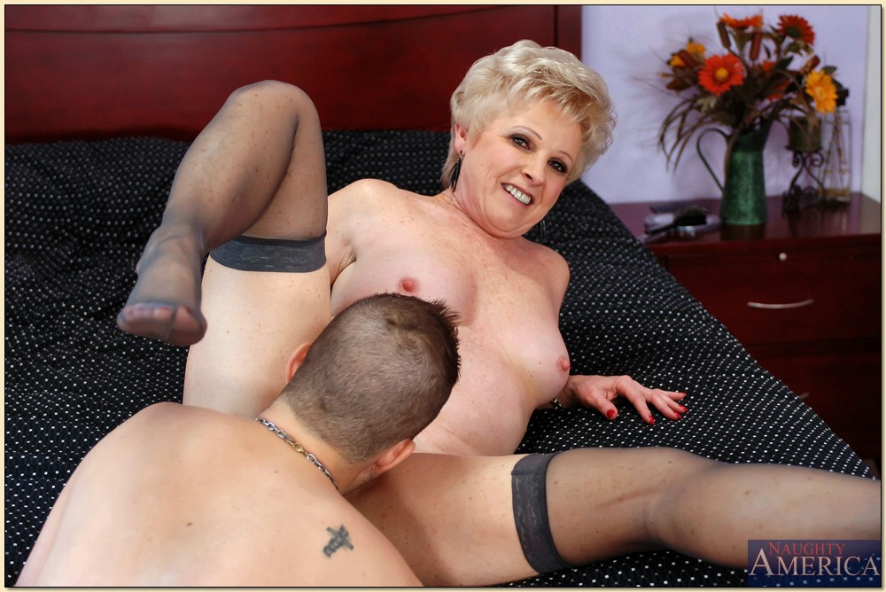 Sexy mature granny gets fucked nice