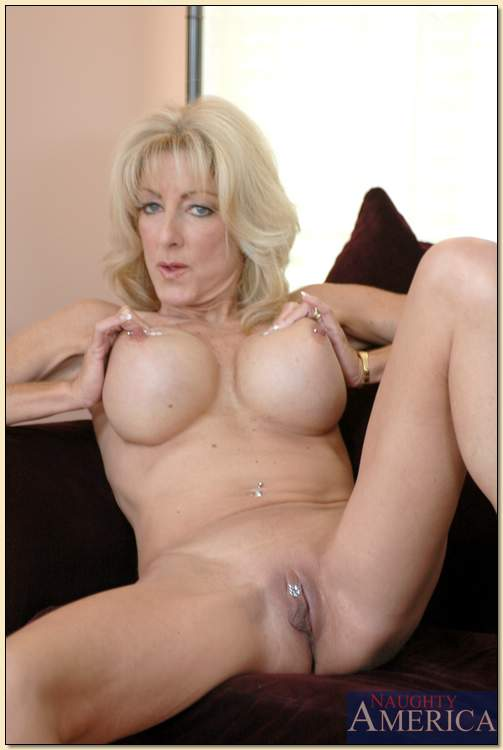 Real homemade horny mature cougars