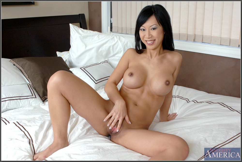 Pictures of naked asian mature women senseless