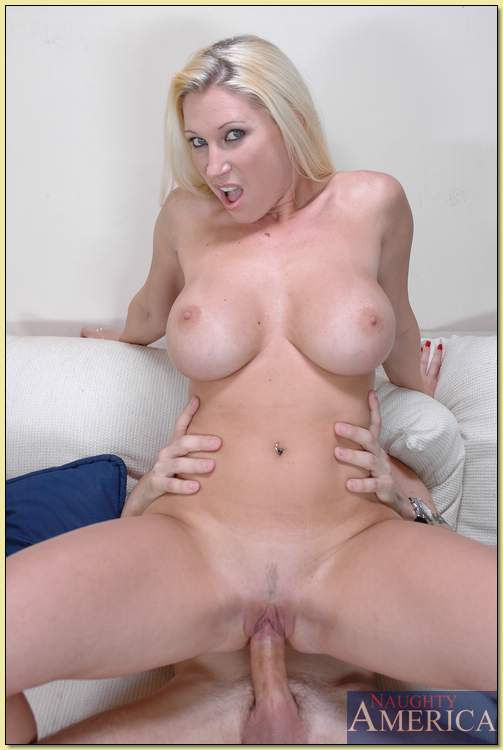 Young girl Devon 42 mpg milf couch encuentro papi