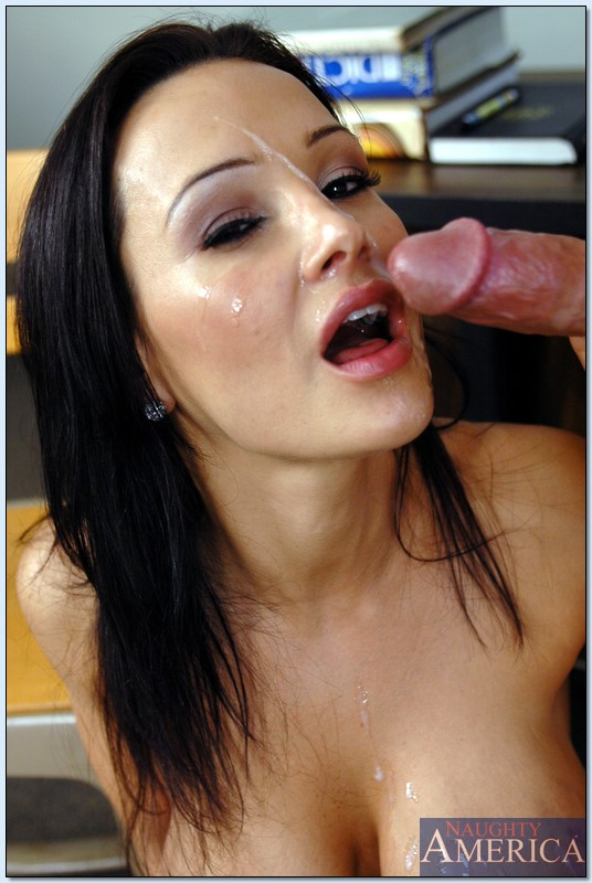 Lisa ann sex and cum over her face, naked women doing oral