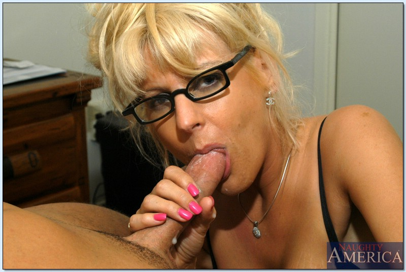 Glasses girl porn pict galleries casually