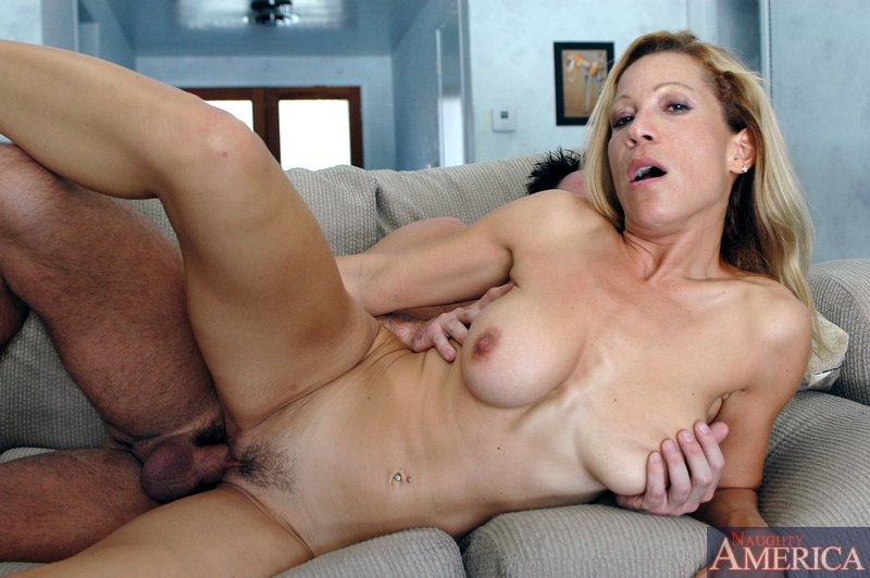 Mature woman fucks girl
