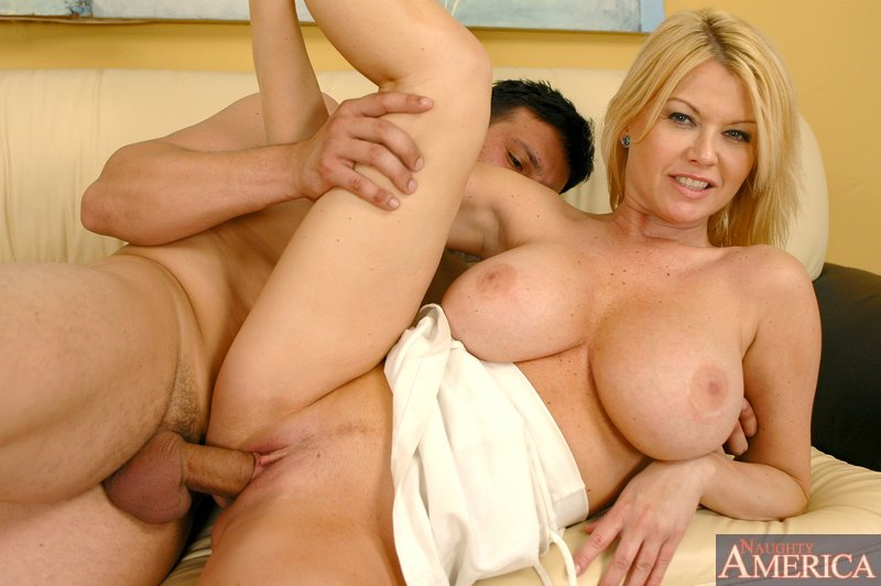 monroe mom Carolyn naughty america