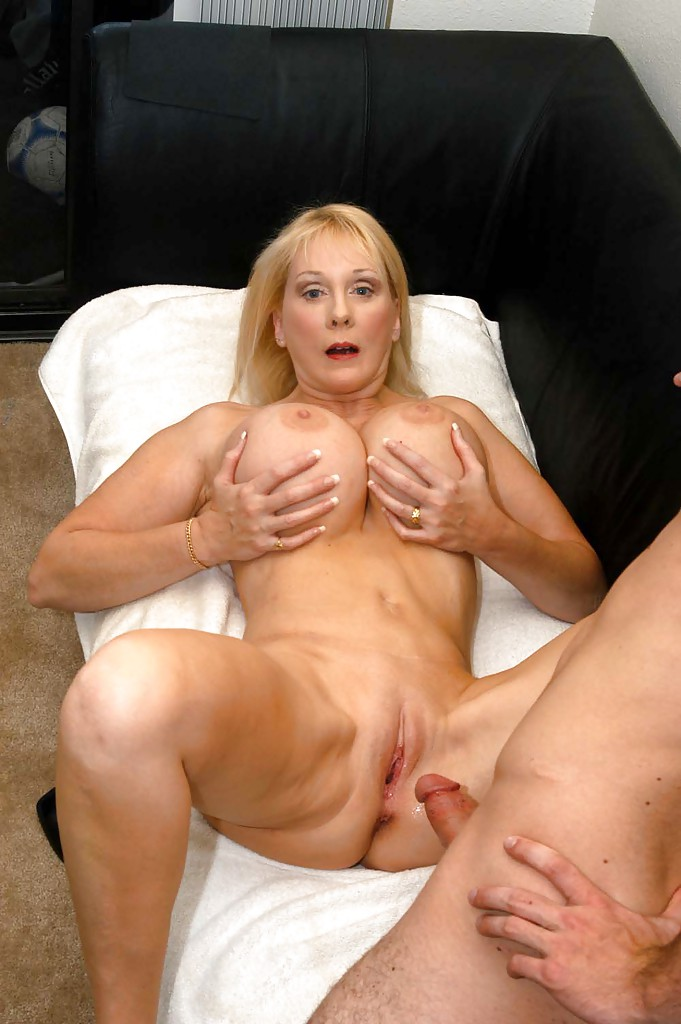 Something mature mom porn galleries