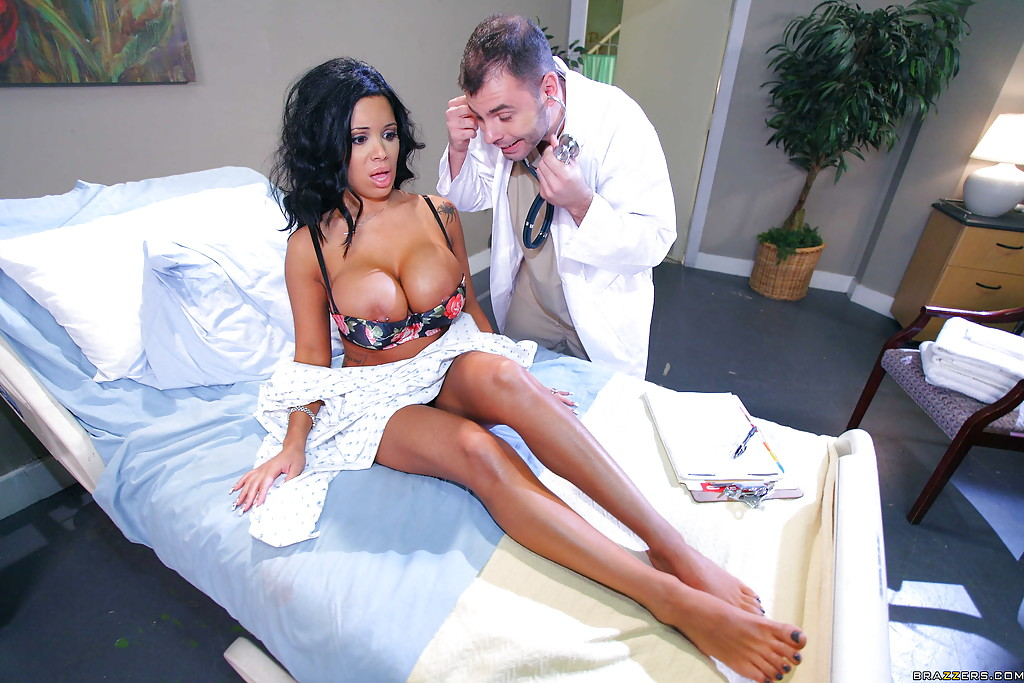 Super hot MILF Sienna West seduces doctor with her smashing curves