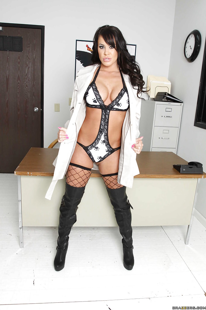 Gorgeous office babe in stockings Savannah Stern exposing her goodies