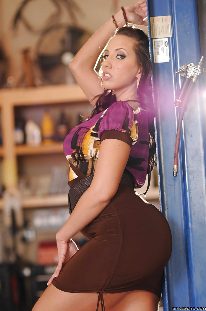 tight dress ass Kelly divine