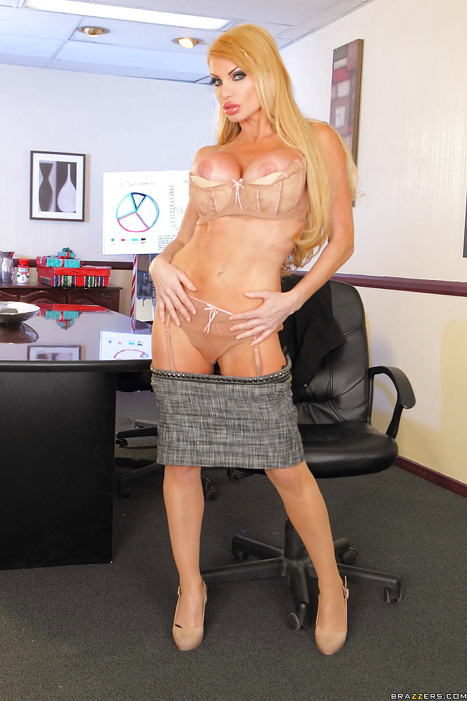 Sultry office slut taylor wane flaunting in seamed