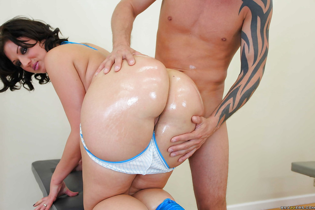 Bick butt dick gets gorgeous her tiny up