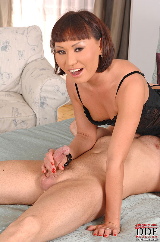 Oriental Hottie Gives A Great Blow Job