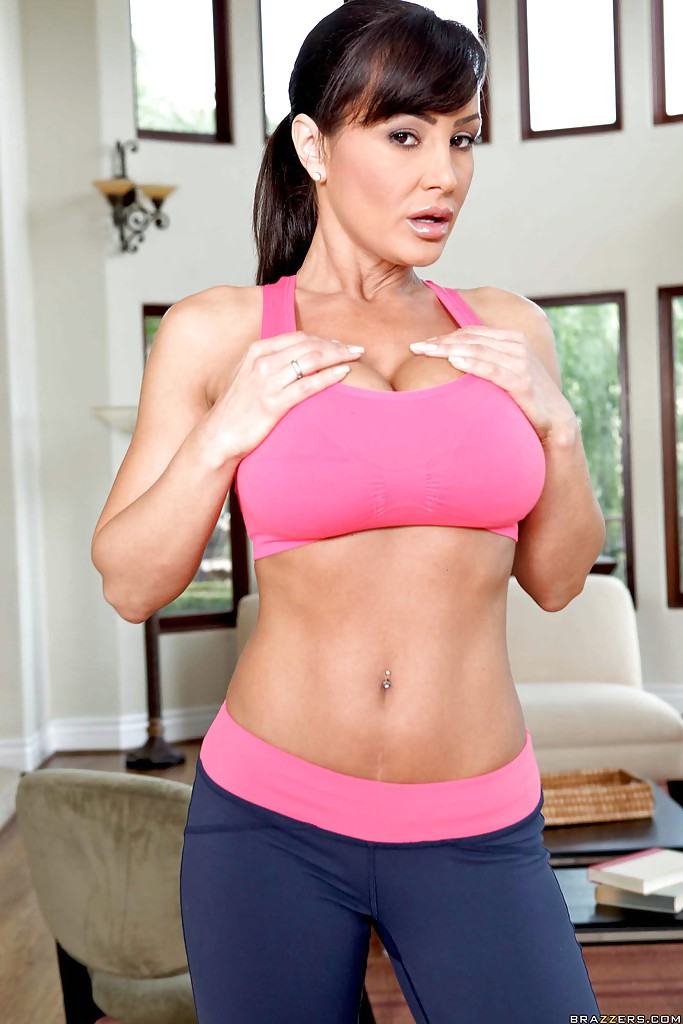 Lisa ann big tits in sports
