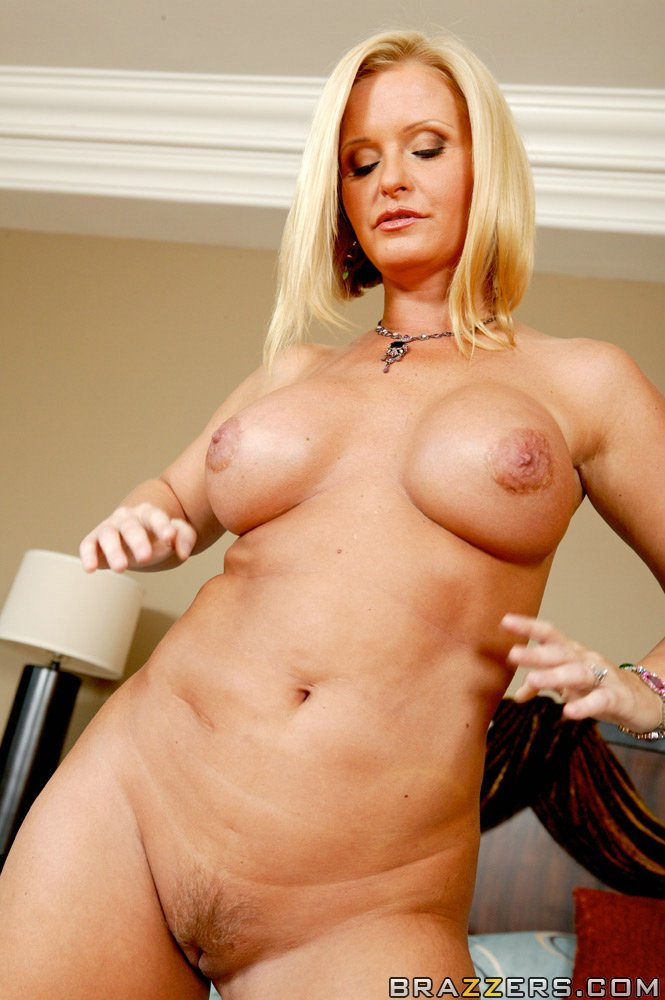 naked girls mom