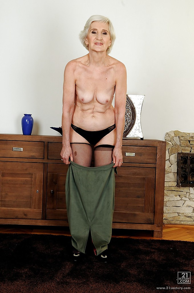 Old lady cunt pics