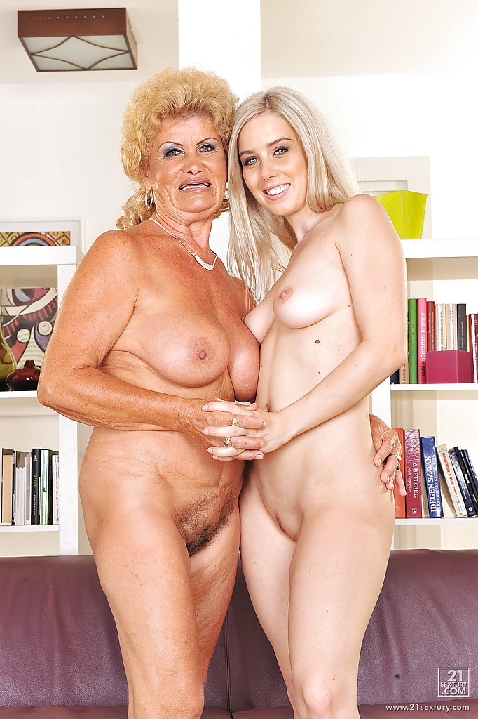 Amature mom tits naked you