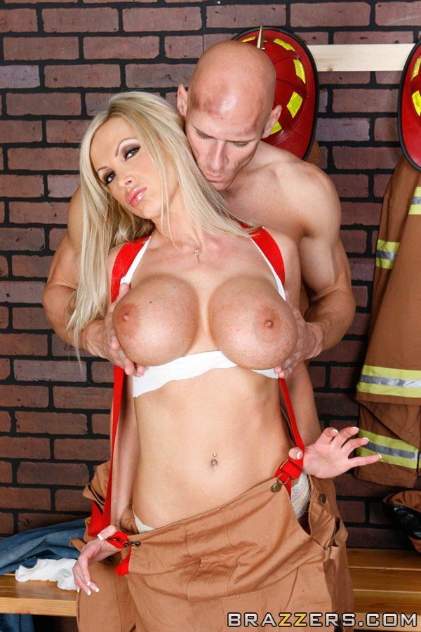 Nikki benz big tits in uniform photos 922