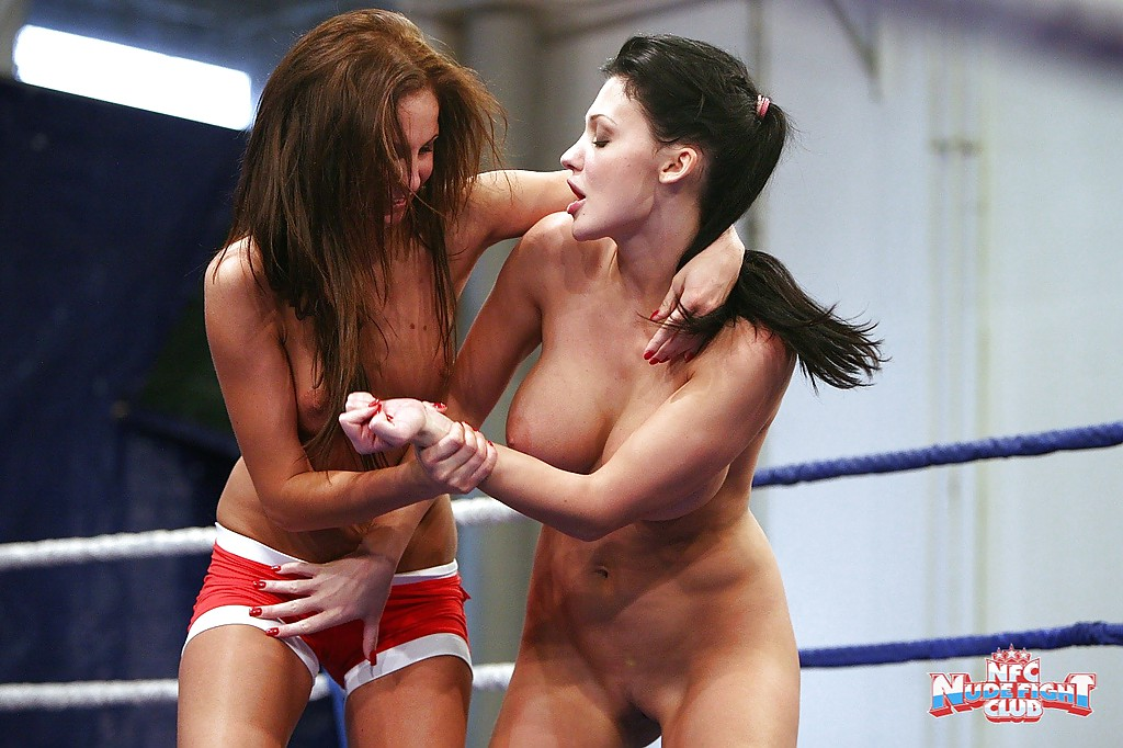 Old busty fighting girl woman vampires free