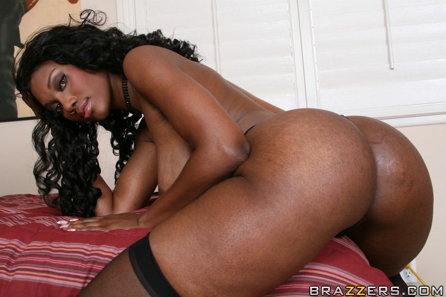 Black female pornstar aniyah