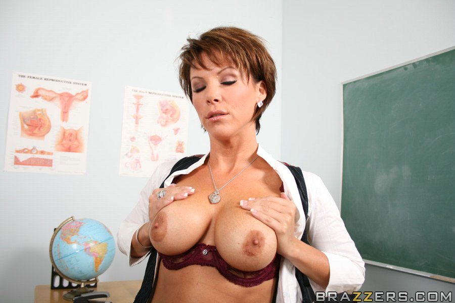 Excellent kayla synz big tits at work you