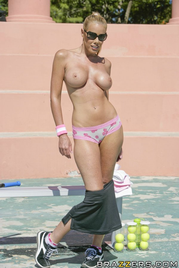 Nude milf playing tennis