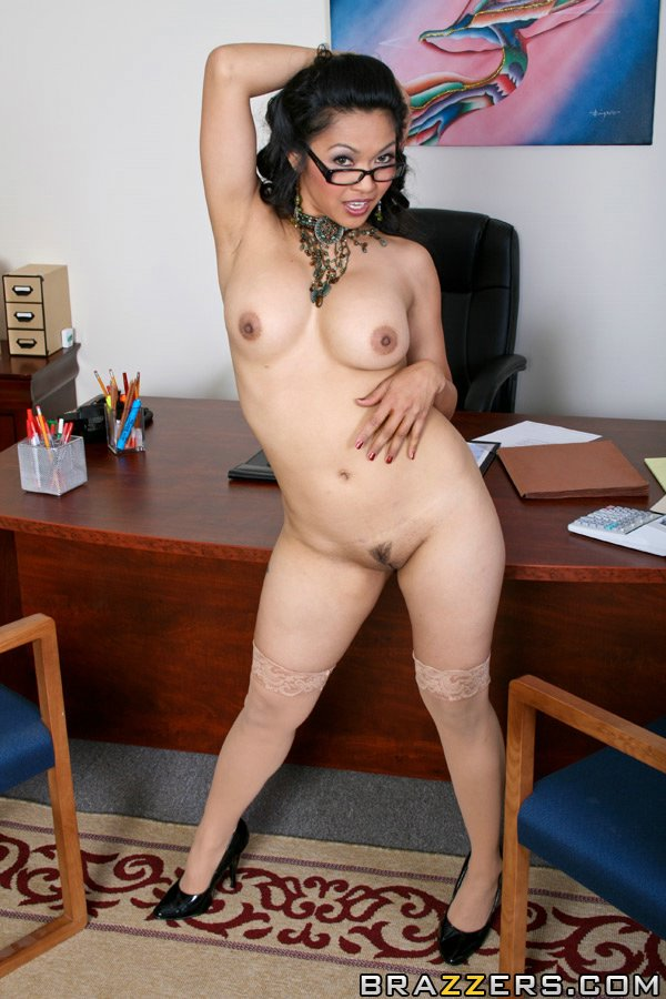 Galleries all hot photo mika tan pic