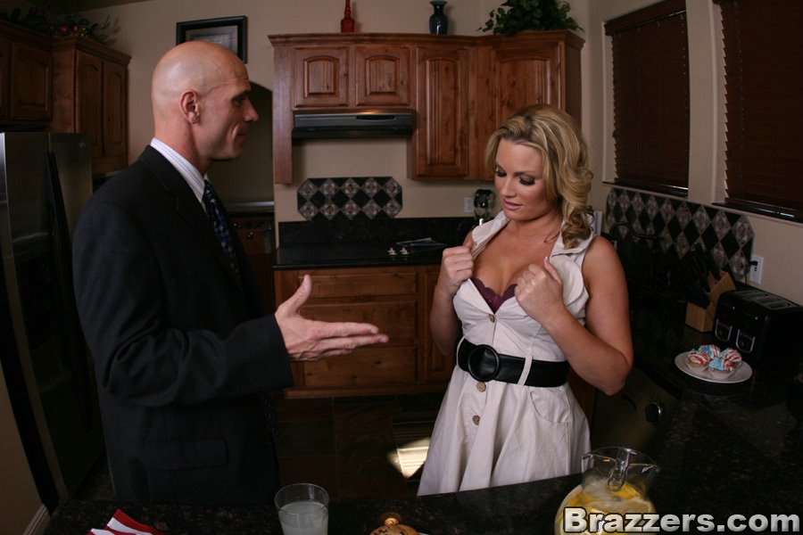 MILF babe Flower Tucci sucking a cock and pushing it in her pussy