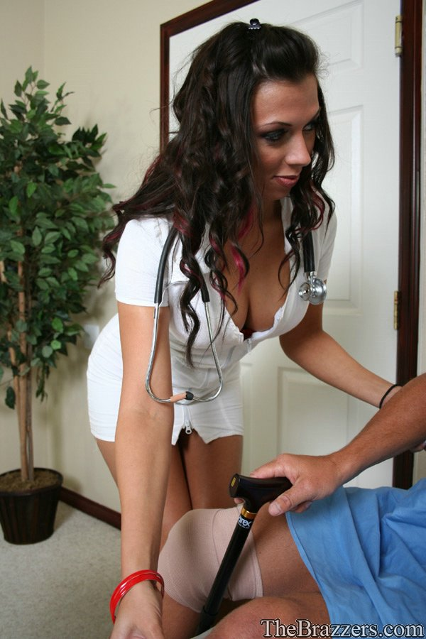carnival-rachel-starr-guidance-into-her-pussy-spreads-legs-naked