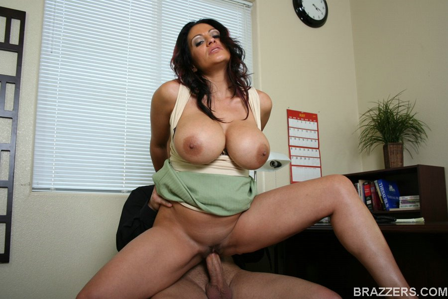 Big tited latina gets fuccked
