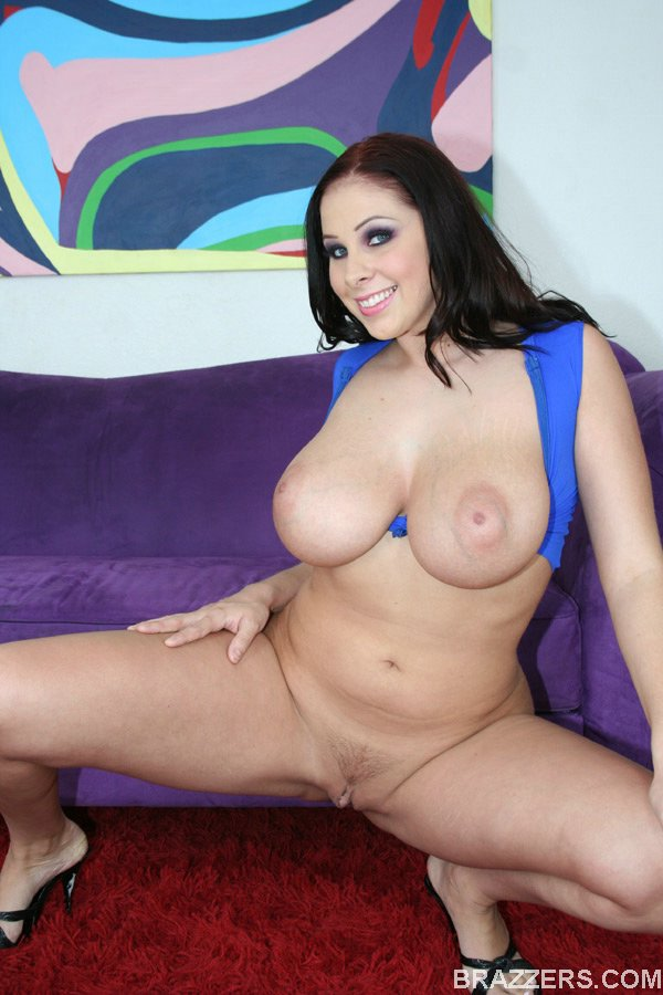hot gianna michaels with big boobs and ass is stripping