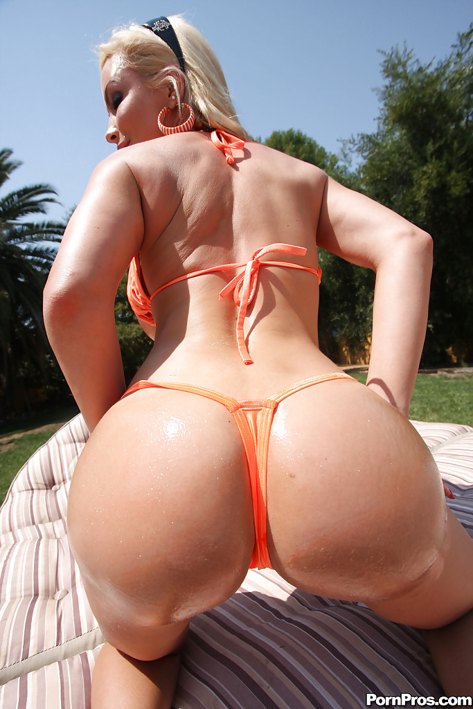 Claudia molina butt naked