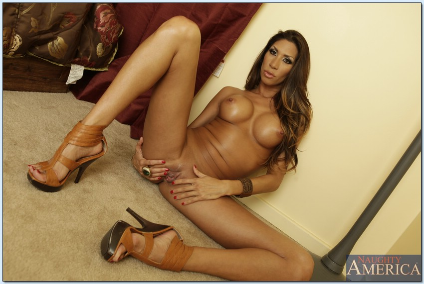 Carmen carrera nude pictures really
