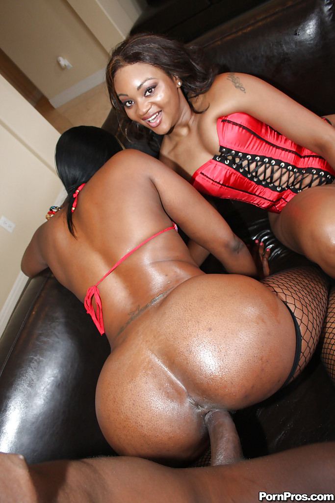 Ebony MILF babes Royalty and Nikki having rough anal sex with creampie ...