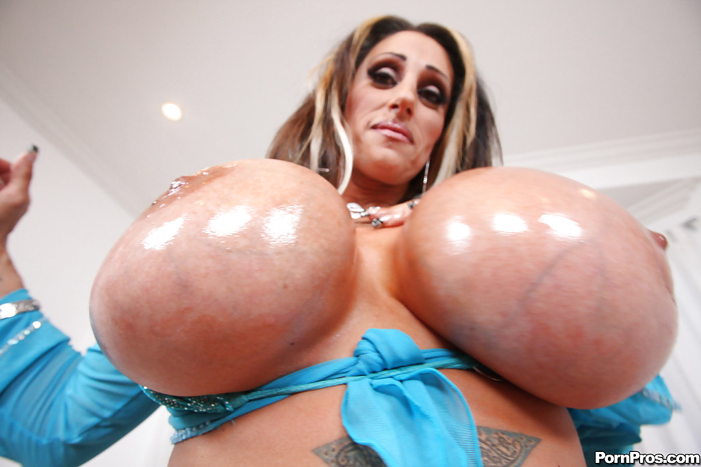 Deja big tits huge knockers - 3 part 2