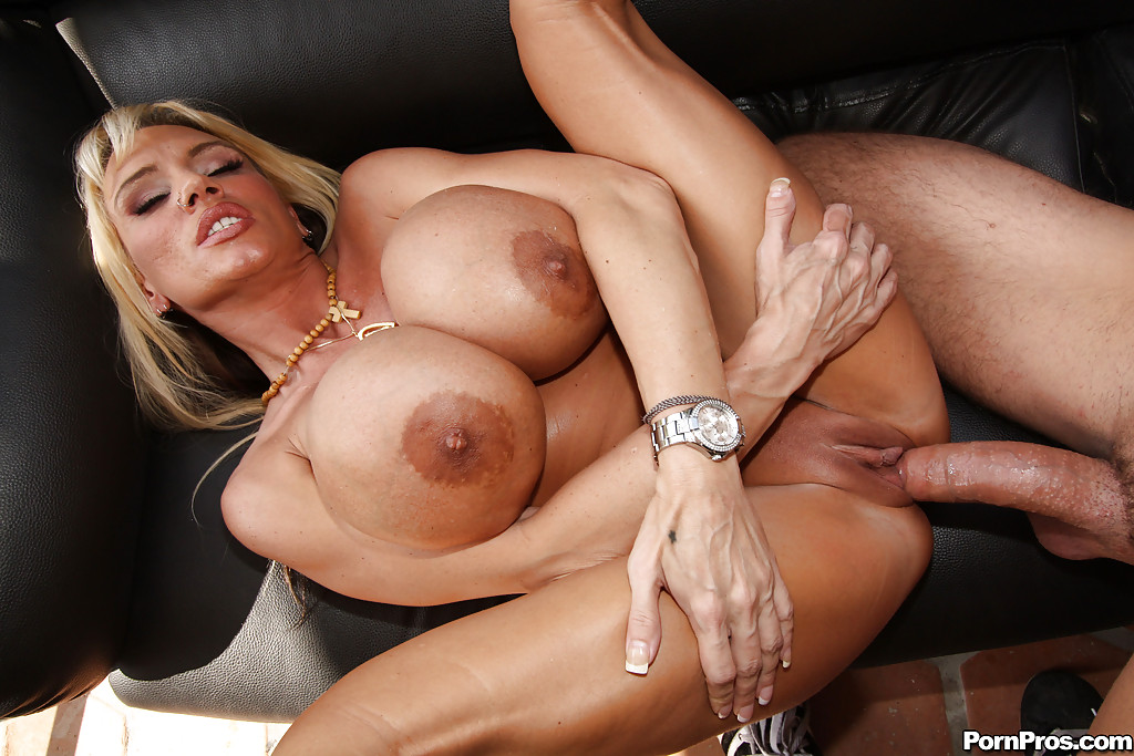 Big tits milf get dig on her ass