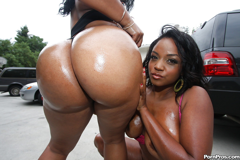 Ebony booty babe loving the taste of cum