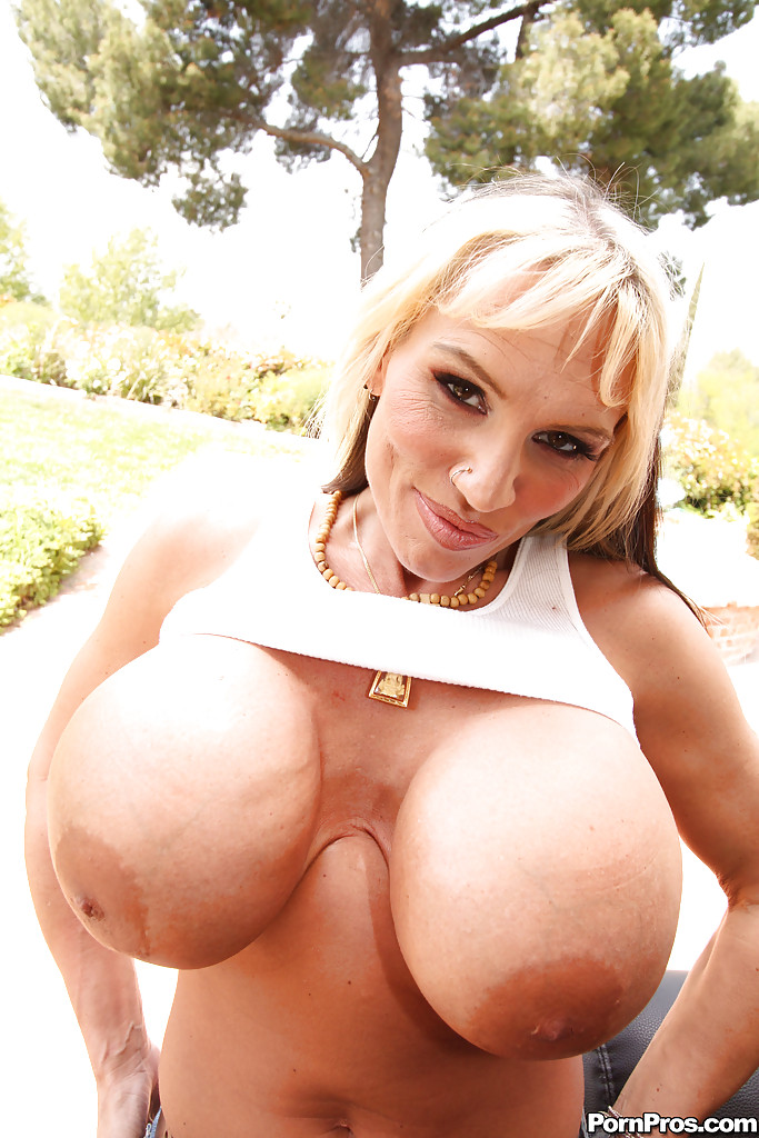 Big tits, busty women, juggs, big black tits, boobs