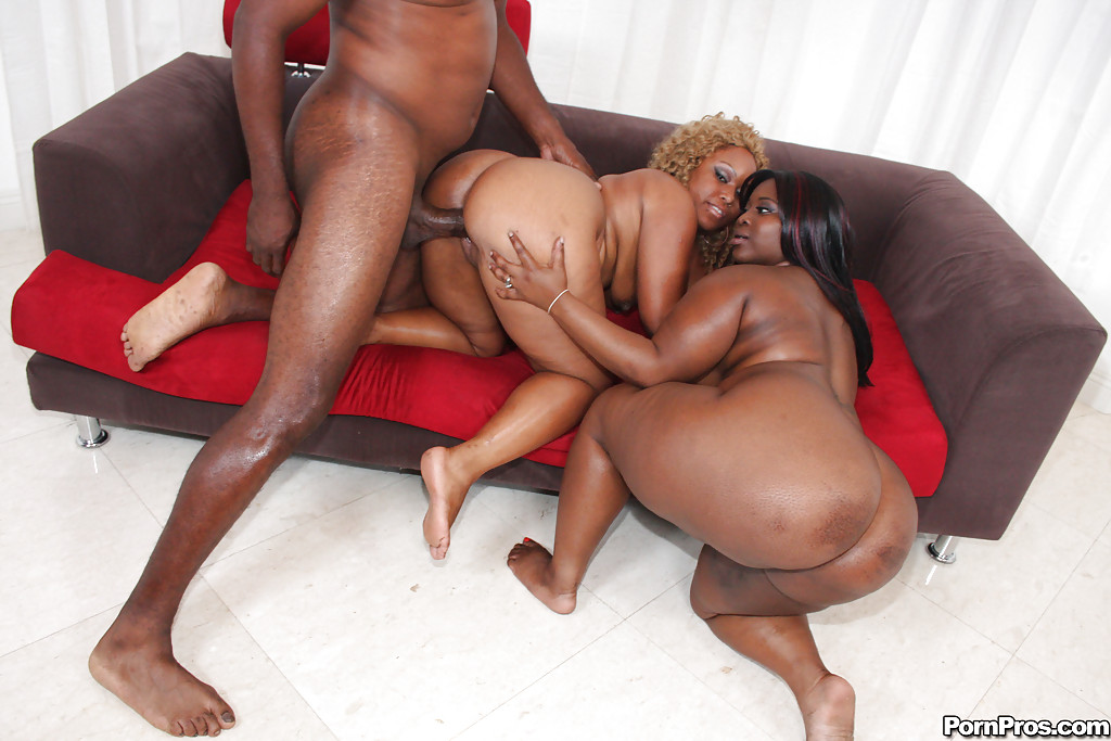 ... Black plumpers MzBooty and Manaje-a-star have rough anal groupsex ...