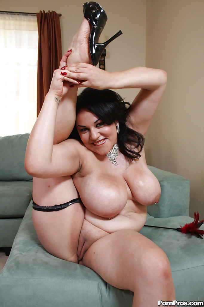 Latina mature boobs