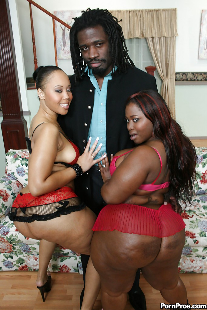 Ebony Big Booty Anal Threesome