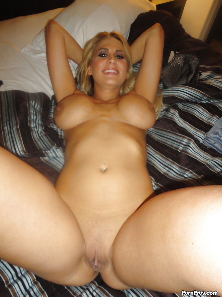 Naked large tits girlfriend foto 161