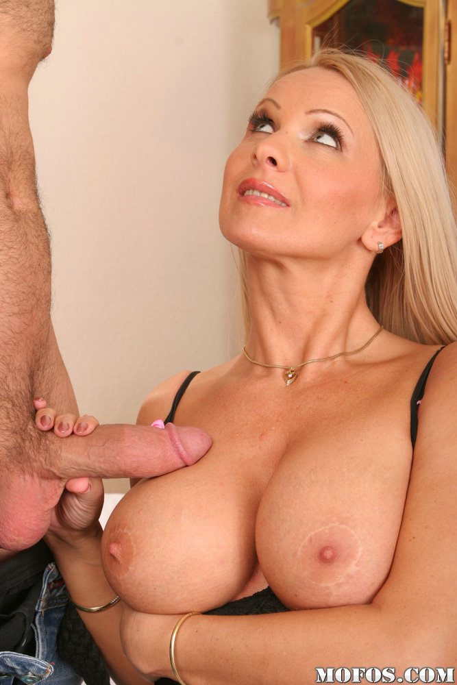 Nice tits on mature fucked