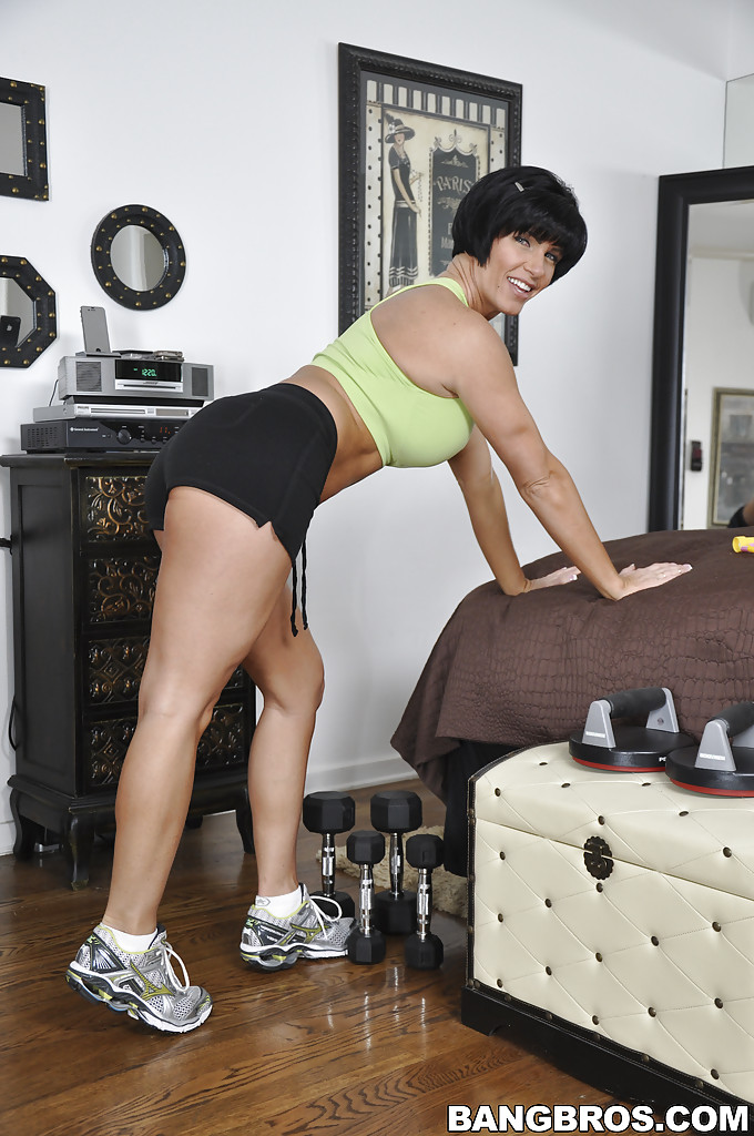 reality milf shay fox makes some sport in extremely short