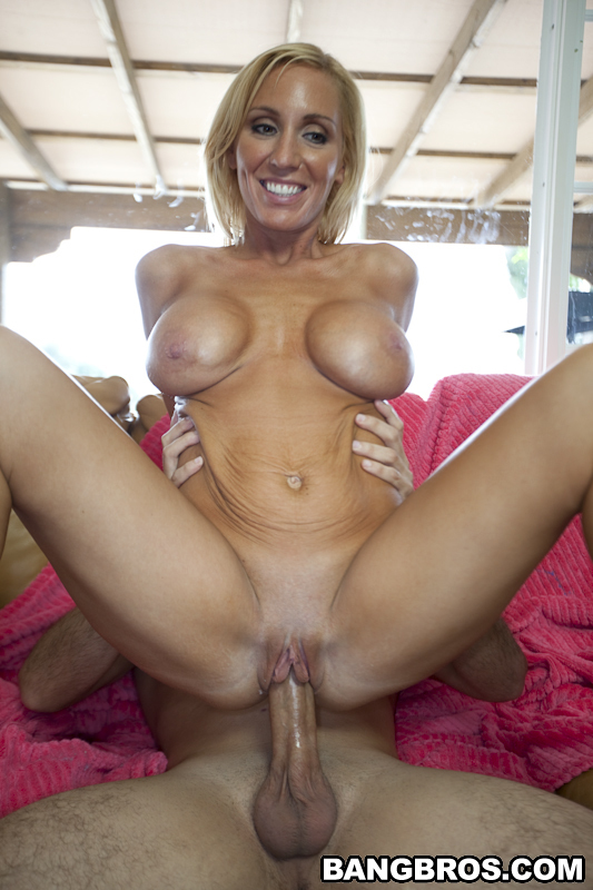 blonde-sex-milfs-artis-indonesia-horny