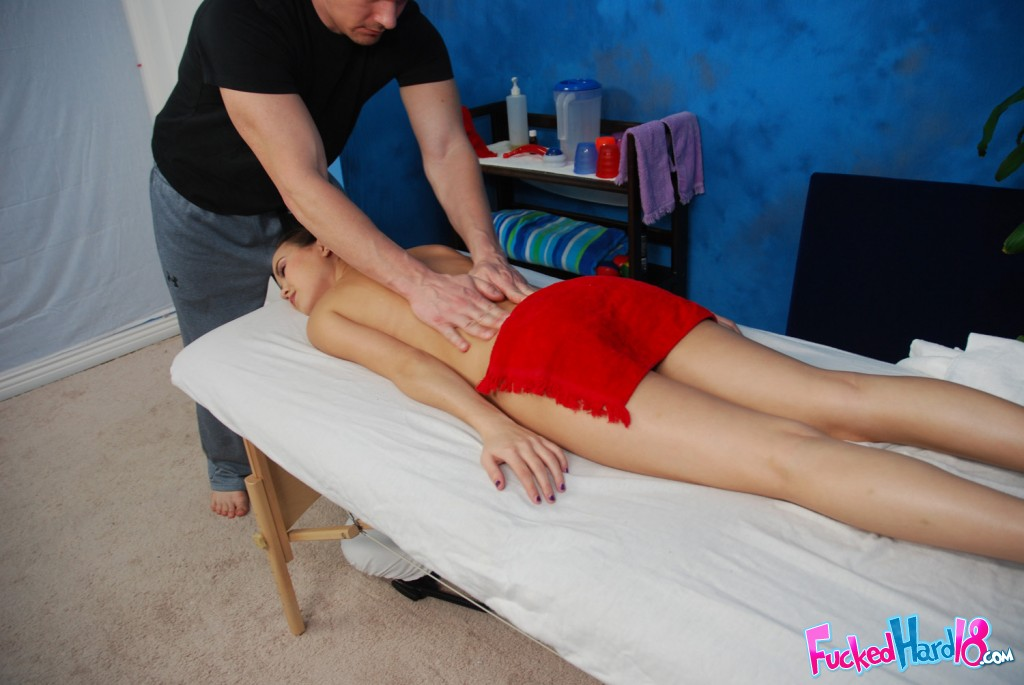 Drilled on massage table 5 min rated 100